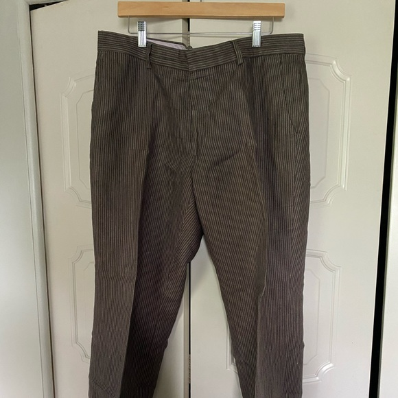 Banana Republic men's linen pants.